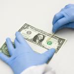 Опасные деньги